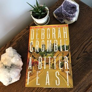 2 for 10$ Book - A Bitter Feast by Deborah Crombie